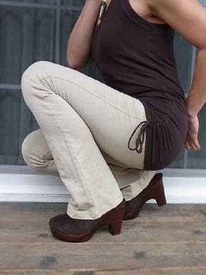 膝が出にくい良質で安心な素材/レディース・ストレッチパンツ専門店【ROOSAルーサ】